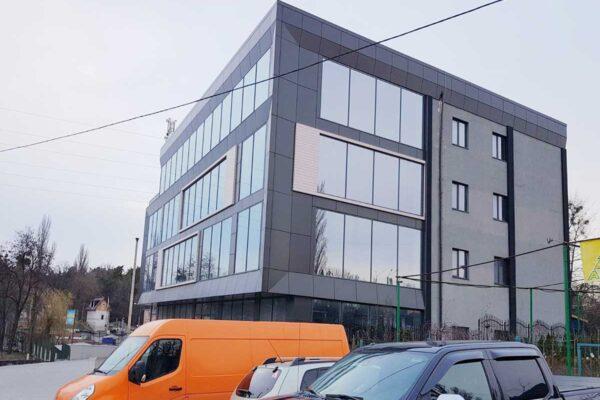 Торгово-офісний центр ELMA
